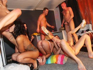 Anal pounding in awesome group sex porn video